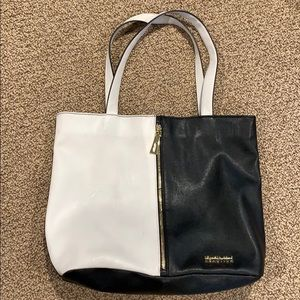 Black and white Kenneth Cole large tote